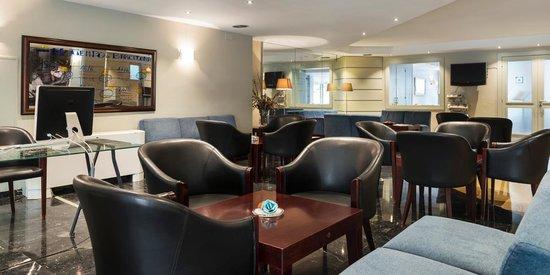 Arenas Atiram Hotels: HALL