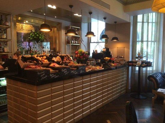 Hotel Indigo London Kensington : Breakfast Bar