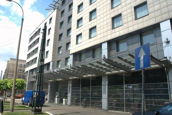 Etuseinää  Picture Of Novotel Krakow Centrum, Krakow. Hotel Mediterraneo. Dr Holms Hotel. Abbotsfordlodge. Newton Place Hotel. Tosa Royal Hotel. Golden Landmark Resort. The Blue Boar Hotel. Silver Sands Hotel