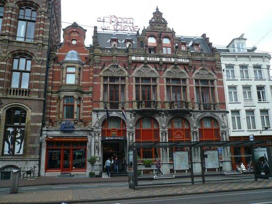 Die Port van Cleve: Front View of Hotel