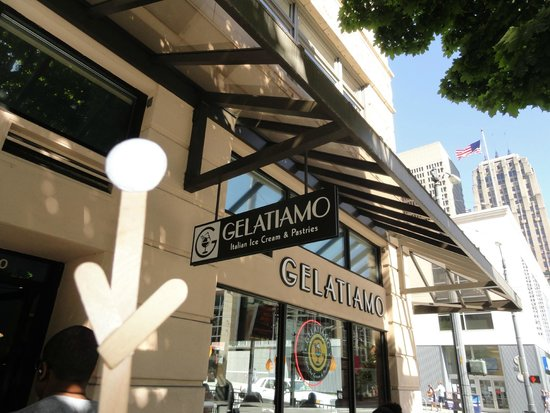 Savor Seattle Food Tours: Getting ready for some Italian Ice Cream