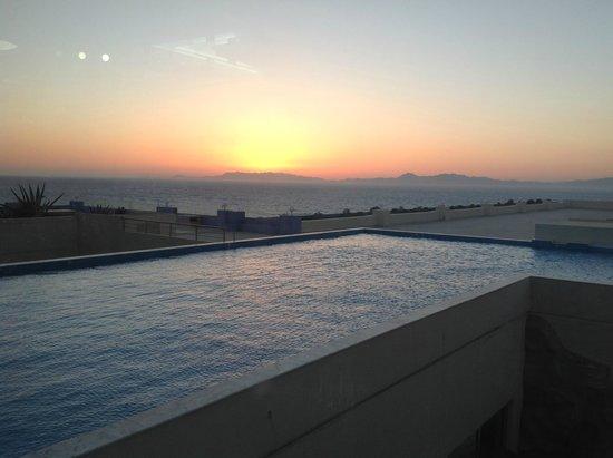 Atrium Platinum Hotel: Sunset