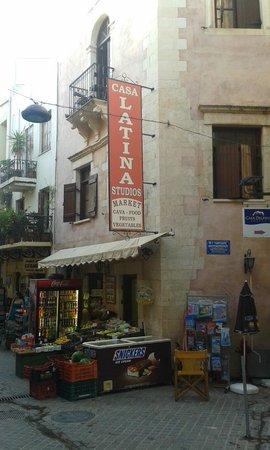 Casa Latina : View and minimarket on ground floor