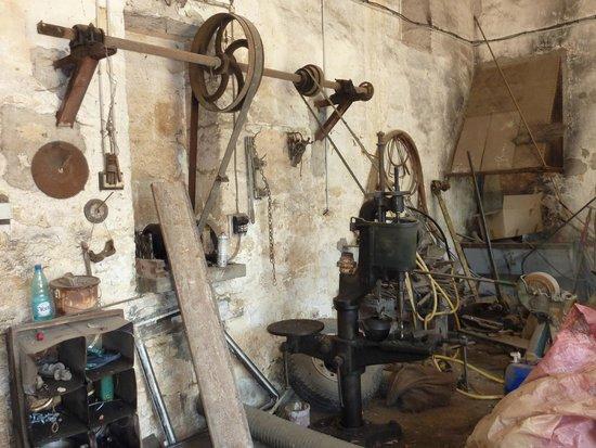 Chateau du Grand Puch : l'entrainement des outils d'antan