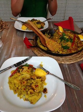 La Pasion Restaurant : paella