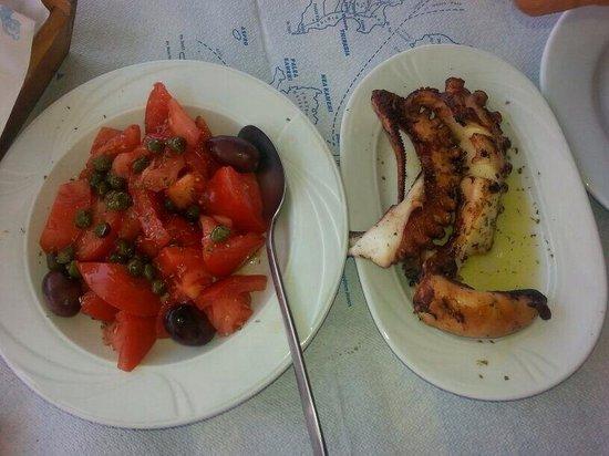 Taverna Katina : Pomodori ed olive, Polipo arrosto...tutto ottimo a buon prezzo!!