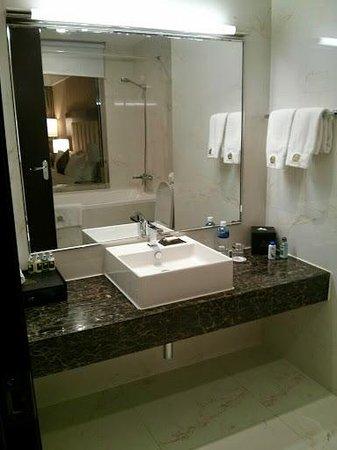 Best Western Premier Tuushin Hotel: Nice bathroom