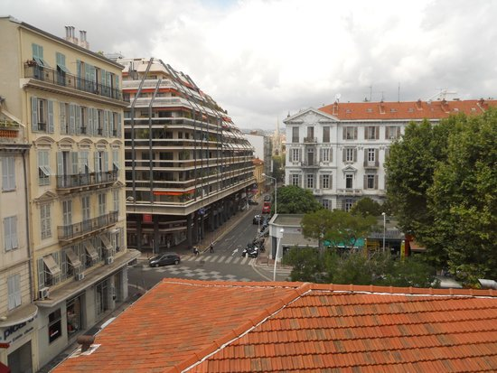 Hotel de Flore by HappyCulture : View from our room 426 I think