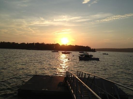 Ocean Point Inn & Resort Restaurtant : just in time for sunset
