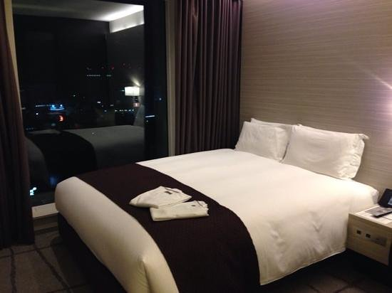 Mitsui Garden Hotel Ginza Premier: first room i stayed in was tight, but did the job