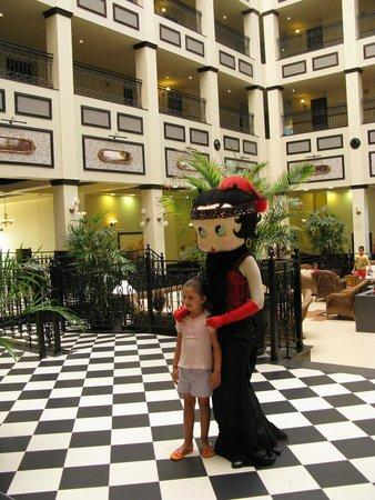 PortAventura Hotel Gold River: холл отеля