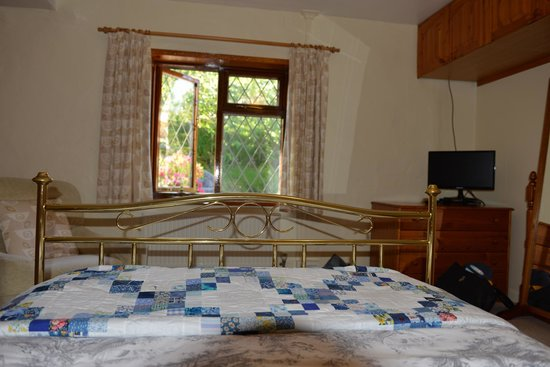 Trevaunance Cottage B&B: Roomy