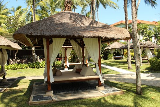 The Laguna, a Luxury Collection Resort & Spa: A beachfront Cabana
