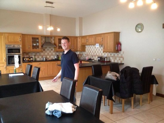 Llety Cynin: Huge kitchen
