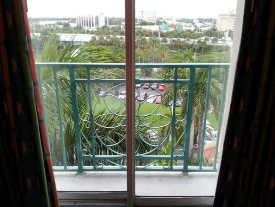 "Embassy Suites by Hilton Miami - International Airport: ""balcony"""