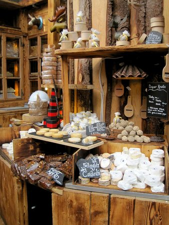 Borough Market: The workers were so friendly and gave me handfuls of delicious cheese from Switzerland