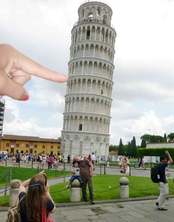 Der Schiefe Turm von Pisa: Adesso la faccio cadere...