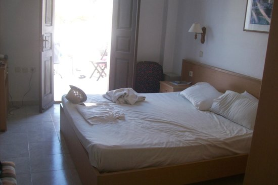 Philipos Studios and Apartment: 1 of the bedrooms