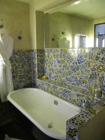 Riad Malika: One of two bathrooms, the other had a great shower.