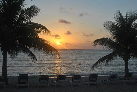 Wyndham Reef Resort: Sunrise from our Room