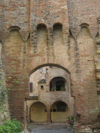 Castello di Saltemnano: entrata del castello