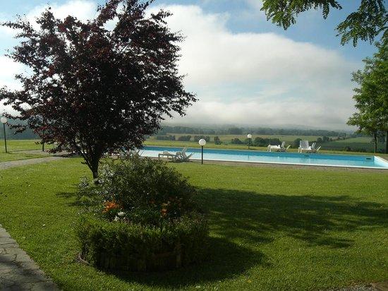 Castello di Saltemnano: piscina