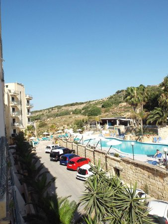 Porto Azzurro : pool and lounge area