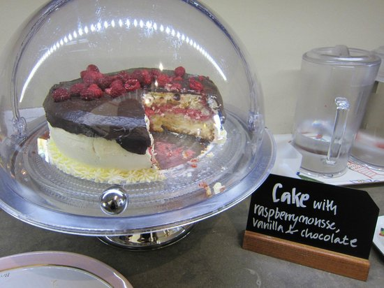 Hotel Royal Gothenburg: Complimentary cake!