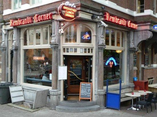 Rembrandt Corner: Entrata del locale