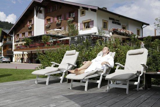 Hotel Austria: Liegewiese