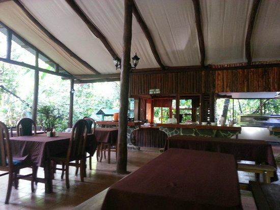 Chilamate Rainforest Eco Retreat: Dinning/reception area