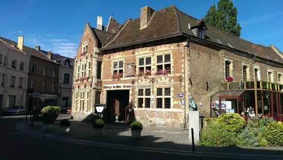 Auberge du Bon Fermier : From the street