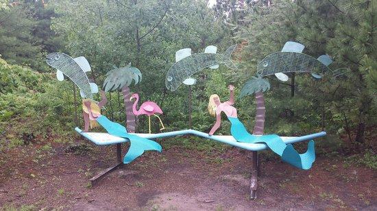 Lakenenland Sculpture Park: Funny in the rain