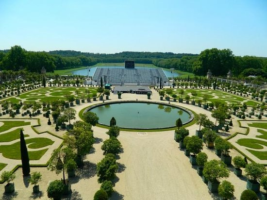 how to avoid lines at versailles