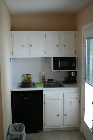 Rus Mar Motel : Our kitchenettes have been updated