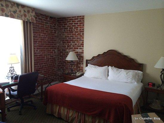 Holiday Inn Express Santa Barbara: La cama en la habitación