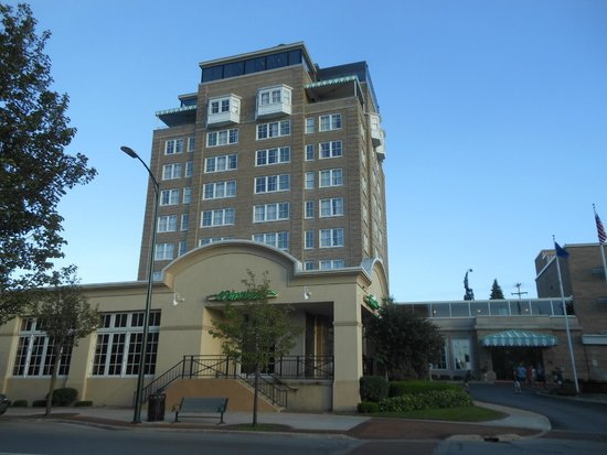 Park Place Hotel : The tall historic part of the hotel