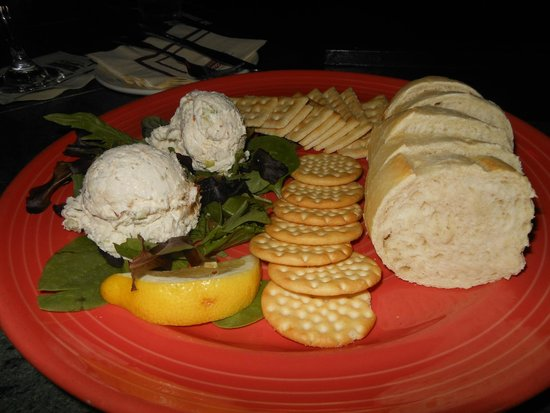 Park Place Hotel : Delicious smoked whitefish dip @ Beacon Lounge