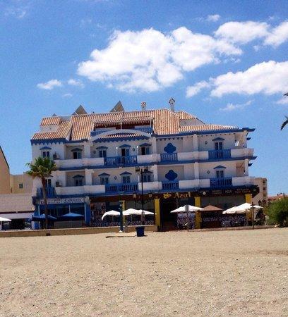 Hotel Dona Luisa: Hotel view from beach