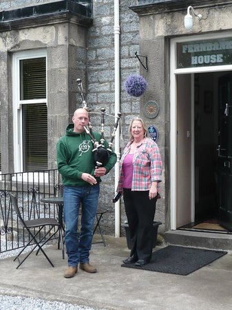 Fernbank House B & B: the lady and her personal piper