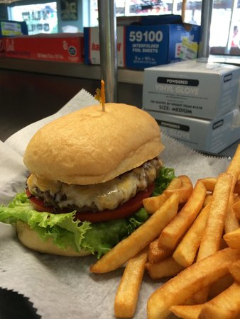 Blue Roof Grille : Beautiful Burger