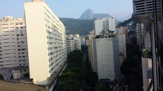 Atlântico Copacabana Hotel : Rua Toneleros
