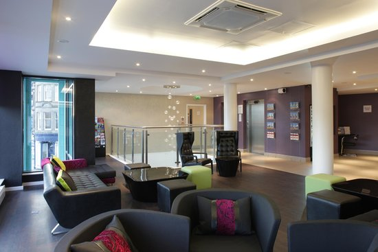 Holiday Inn Express Dundee: Lounge Area