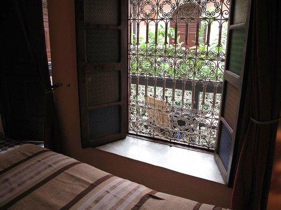 Riad Dar Tamlil: Vue sur patio.
