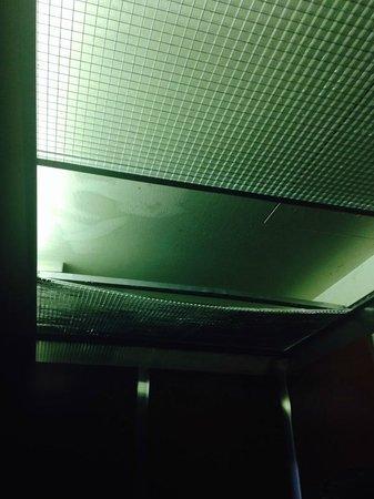 Ramada Palmdale: elevator ceiling falling apart