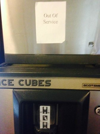 Ramada Palmdale: ALL ice machines conveniently out of service