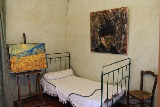 Saint-Paul de Mausole : Mock Set up of Van Gogh's room