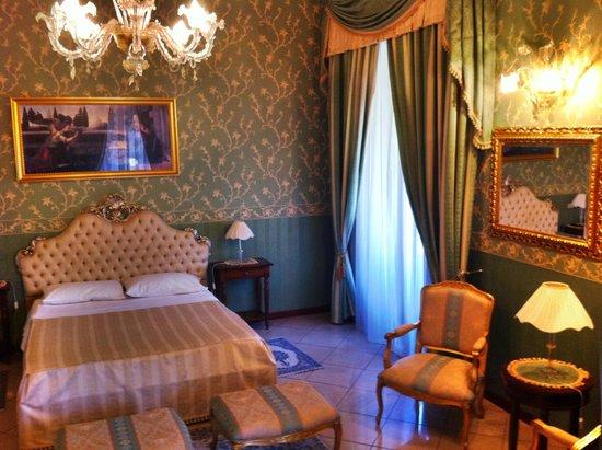 Hotel Villa Romeo: Großes Zimmer im 2 Stock