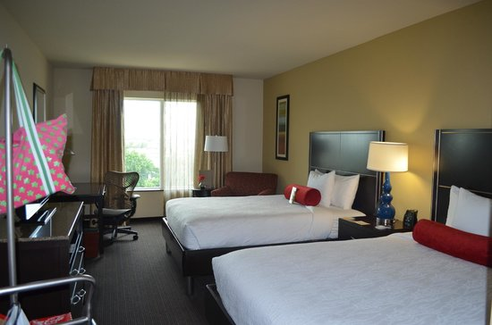 Hilton Garden Inn Houston NW America Plaza : Room 622 with two queen beds