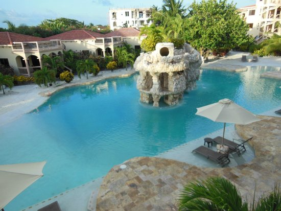 Coco Beach Resort: Pool View